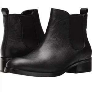 New COLE HAAN Handsman  Black Ankle Boots Size 9